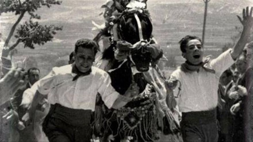 De la dieta mediterránea a los 'castells': qué es el patrimonio inmaterial de la humanidad y cuáles son los rituales protegidos en España