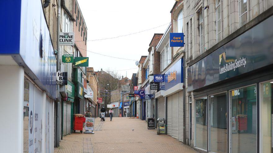 Cómo sobreviven los negocios de Reino Unido tras meses de cierre: ayudas directas y rebajas del IVA a la hostelería y el turismo