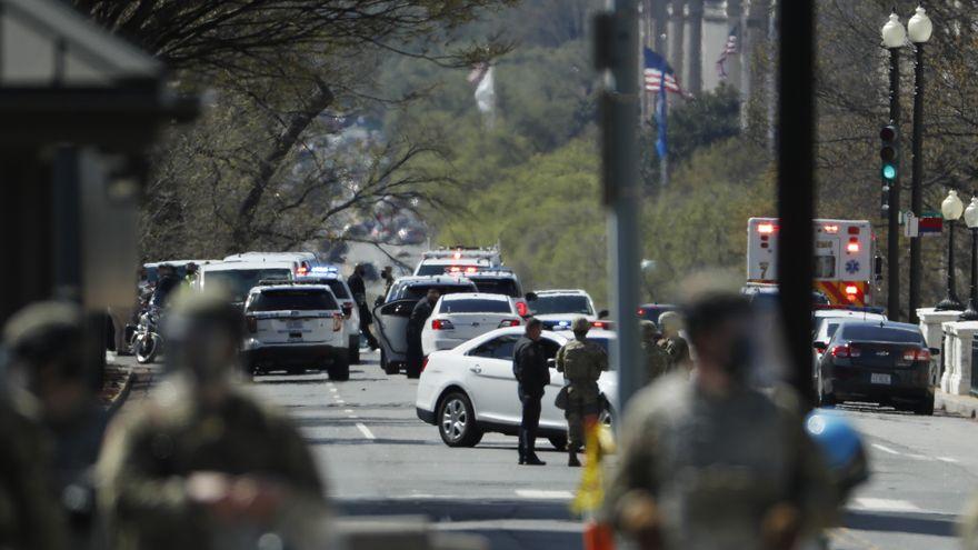 Un policía muerto y otro herido de gravedad en un atropello frente al Capitolio de EEUU