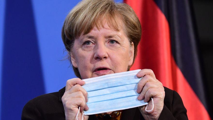 Merkel presenta un proyecto de ley para imponer el toque de queda en regiones con alta incidencia