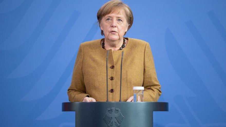 Merkel pide un toque de queda y medidas más estrictas para Alemania: