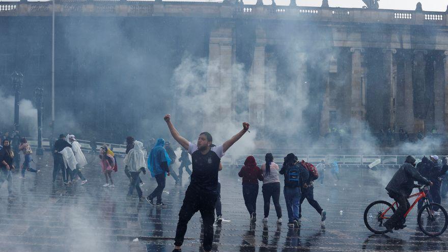 El Gobierno colombiano recurre al Ejército para controlar las protestas contra la reforma fiscal