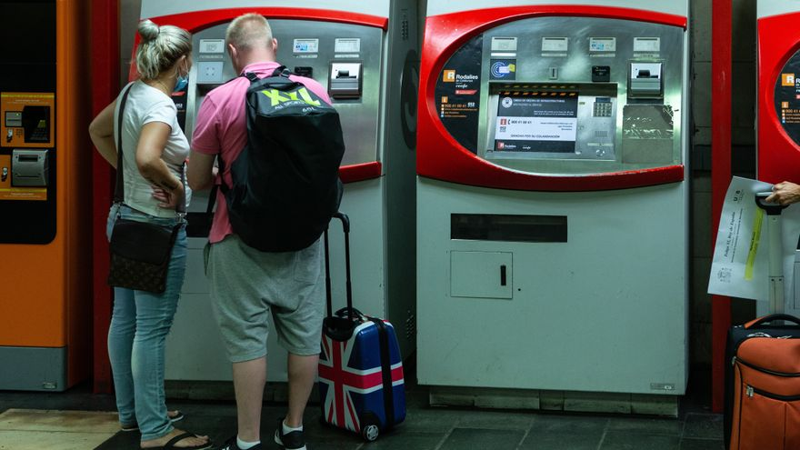 Los turistas de Reino Unido podrán entrar en España sin PCR desde el lunes