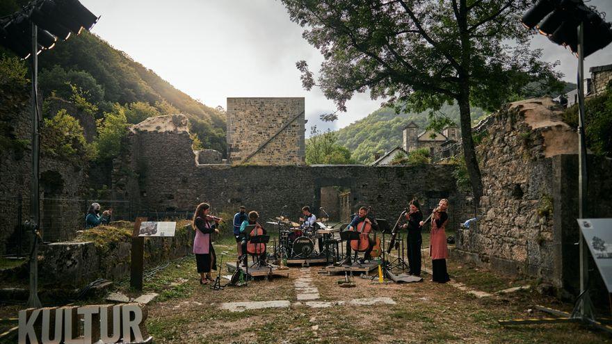 De la ciudad a los pueblos: artistas de toda España se alejan de las urbes para hacer accesible la cultura